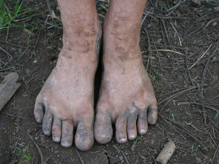машине грязные ноги женщин фото лишь позднее