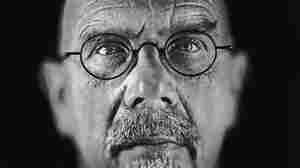 Close-Up On Chuck Close