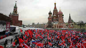 Pro-Kremlin rally in Moscow's Red Square in 2007