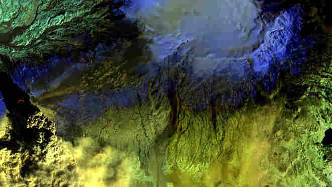 Infrared image of Iceland's Eyjafjallajokull volcano