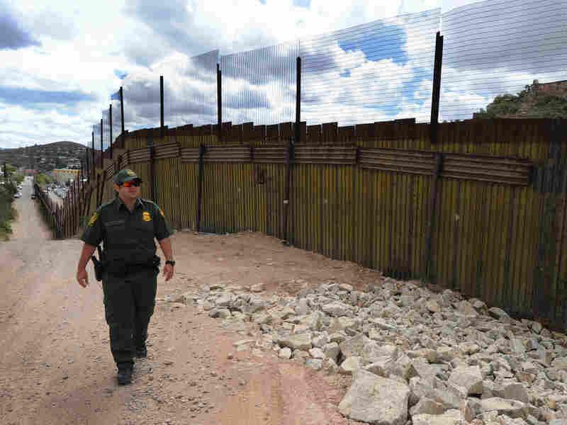 A U.S. Border Patrol officer