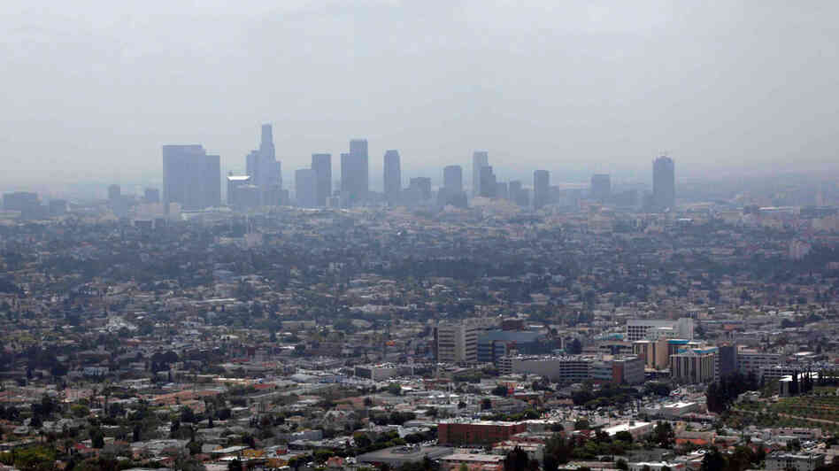 Smog covers downtown Los Angeles on April 28, 2009.