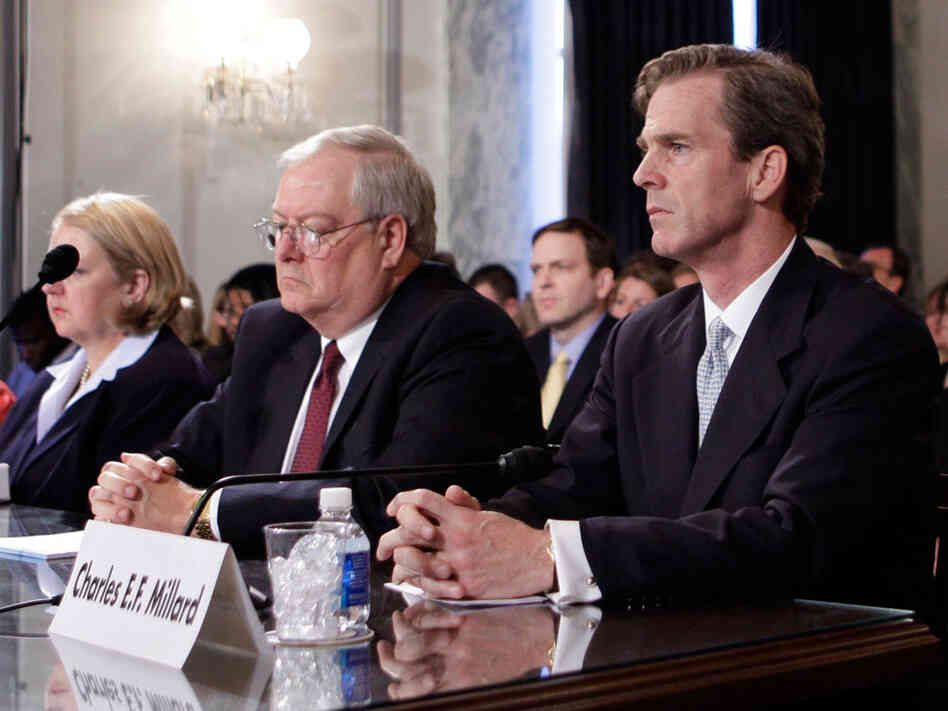 Charles E.F. Millard and Vince Snowbarger of the PBGC appear before a Senate panel in May 2009.