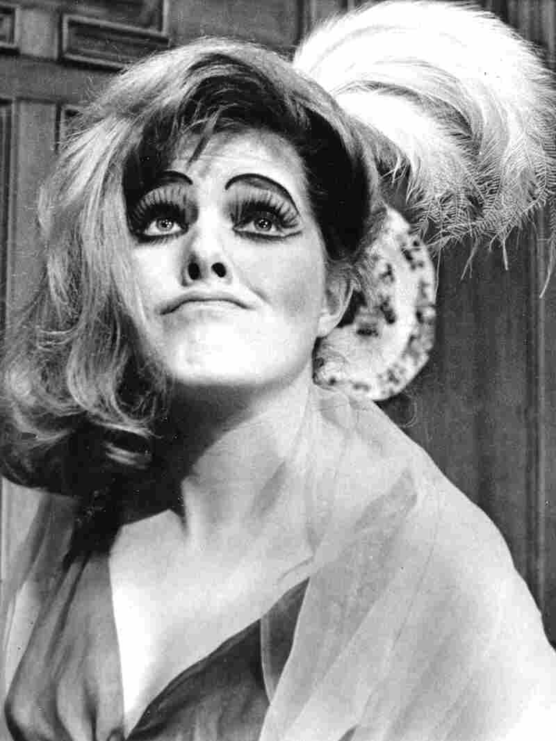 British actress Lynn Redgrave, 22 as Georgy