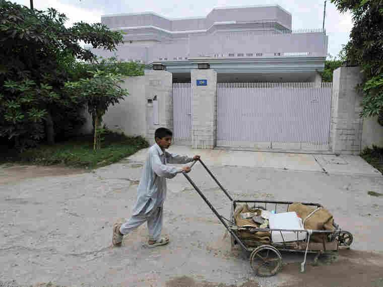 Pakistani Youth In Peshawar