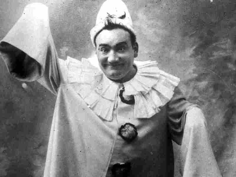 Tenor Enrico Caruso (circa 1910) as Pagliacci