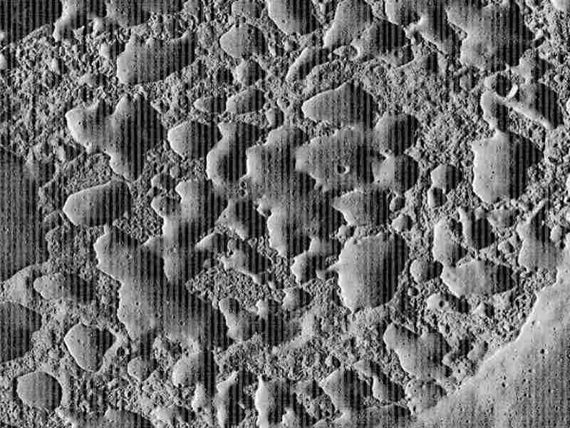 Volcanic activity on the moon