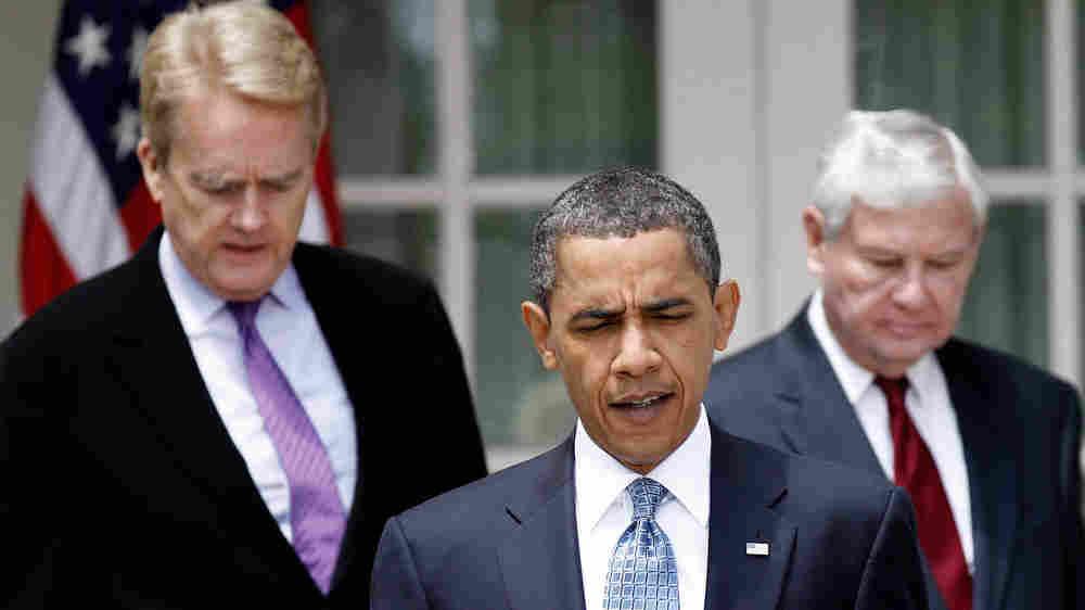 President Obama, flanked by ex-EPA Administrator Bill Reilly (left) former Florida Sen. Bob Graham.