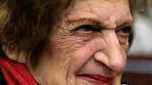 Helen Thomas, at the White House in 2008.