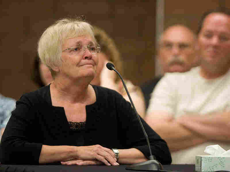 Donna Nu gives a statement during Ronnie Lee Gardner's commutation hearing.