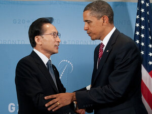 President Barack Obama And South Korean President Lee Myung-bak