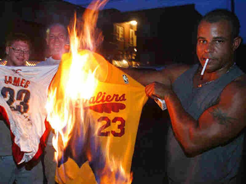 Cavs fans burned James's jerseys after his announcement
