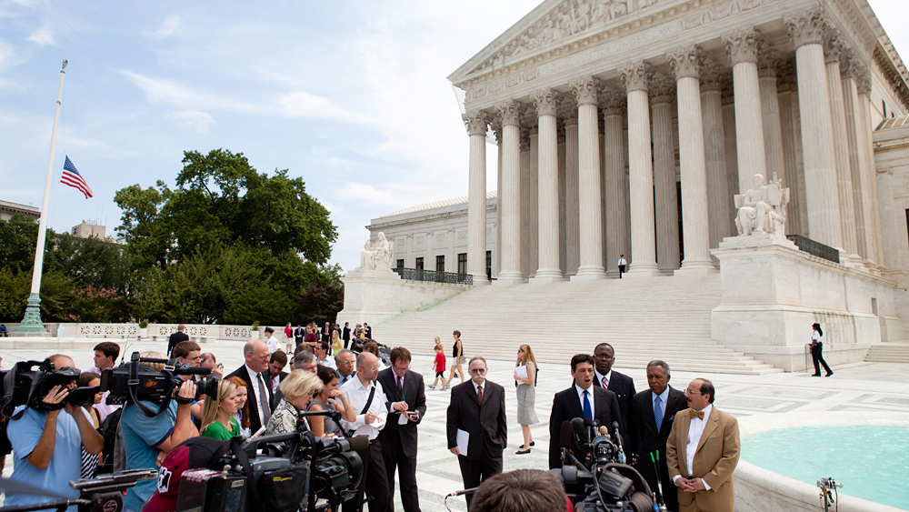 the responsibilities and decisions of the supreme court Politicizing the supreme court eric nonpolitical responsibilities convention granted congress the power to take a vote to change supreme court decisions.