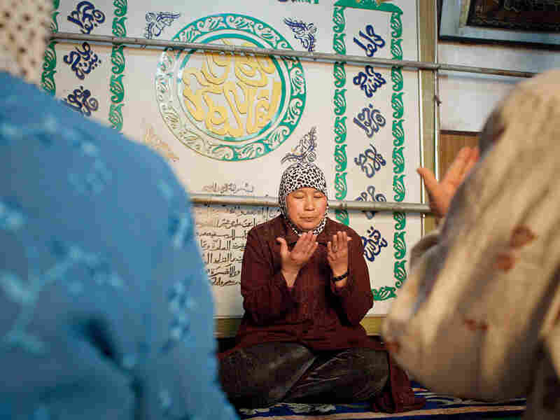 Yao Baoxia is a female imam in Kaifeng