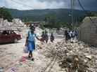 Schoolchildren go to school in Port-au-Prince.