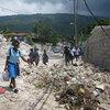 Schoolchildren go to school in Port-au-Prince.