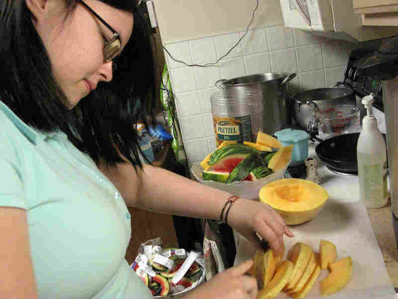 Beanna Williamson cuts melon
