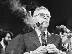 Daniel Schorr appears before a Senate panel in 1972.