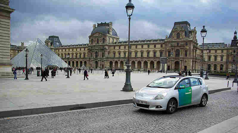 An Autolib car in Paris