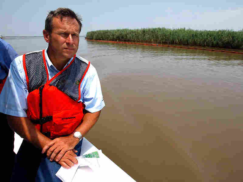 BP COO Doug Suttles took reporters on a boat tour of the mouth of the Mississippi River.