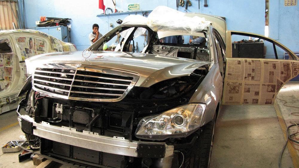 amid mexico 39 s drug war a rush for bulletproof cars npr. Black Bedroom Furniture Sets. Home Design Ideas