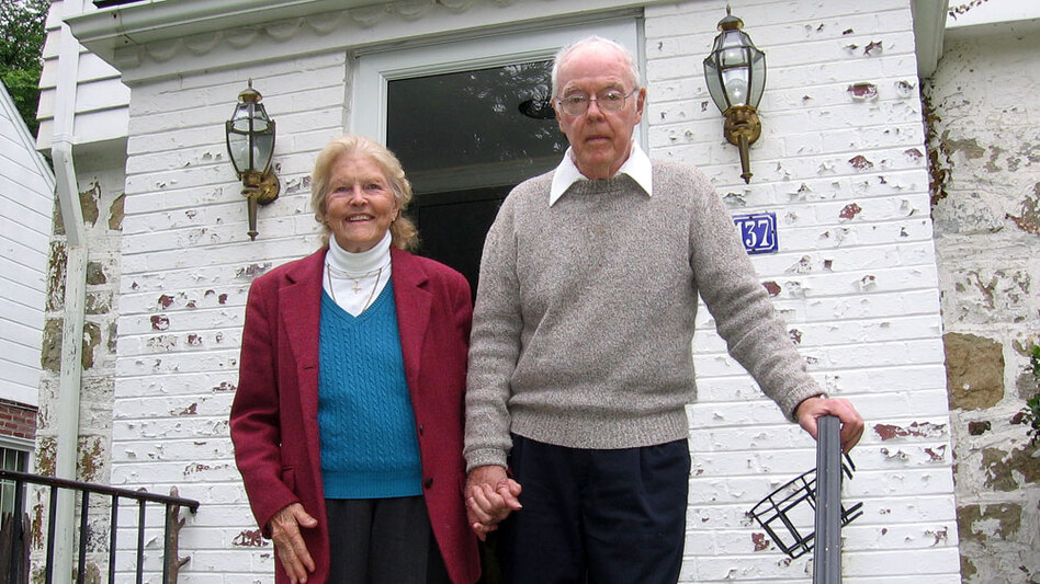 "Betty and Jack O'Connor want to stay in their Chevy Chase, Md., home as they age and are trying to create a <a href=""http://www.chevychaseathome.org/"">network of volunteers</a> in their neighborhood, called a ""village,"" to help them with tasks they can no longer handle."