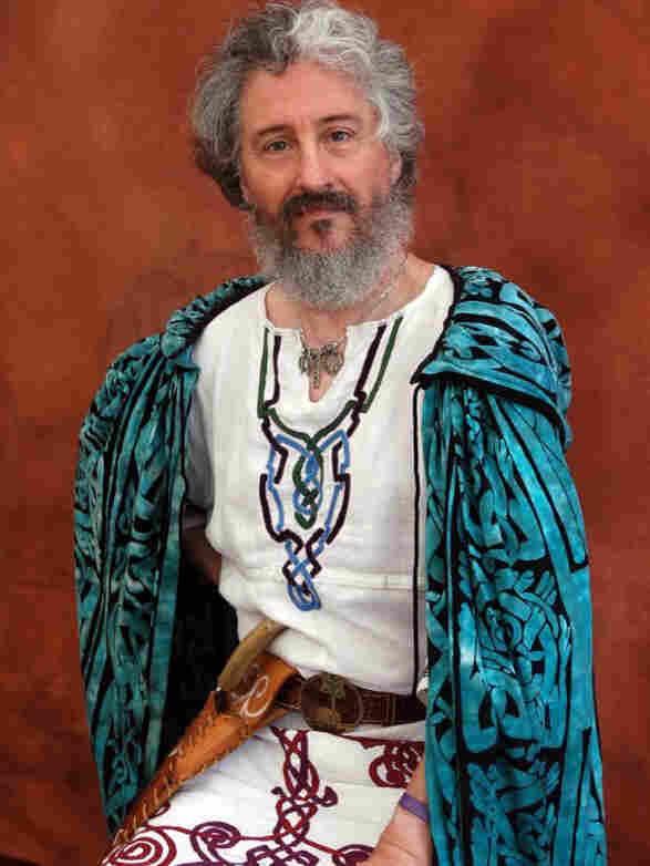 Issac Bonewits, founder and Archdruid Emeritus of Ár nDraíocht Féin: A Druid Fellowship.