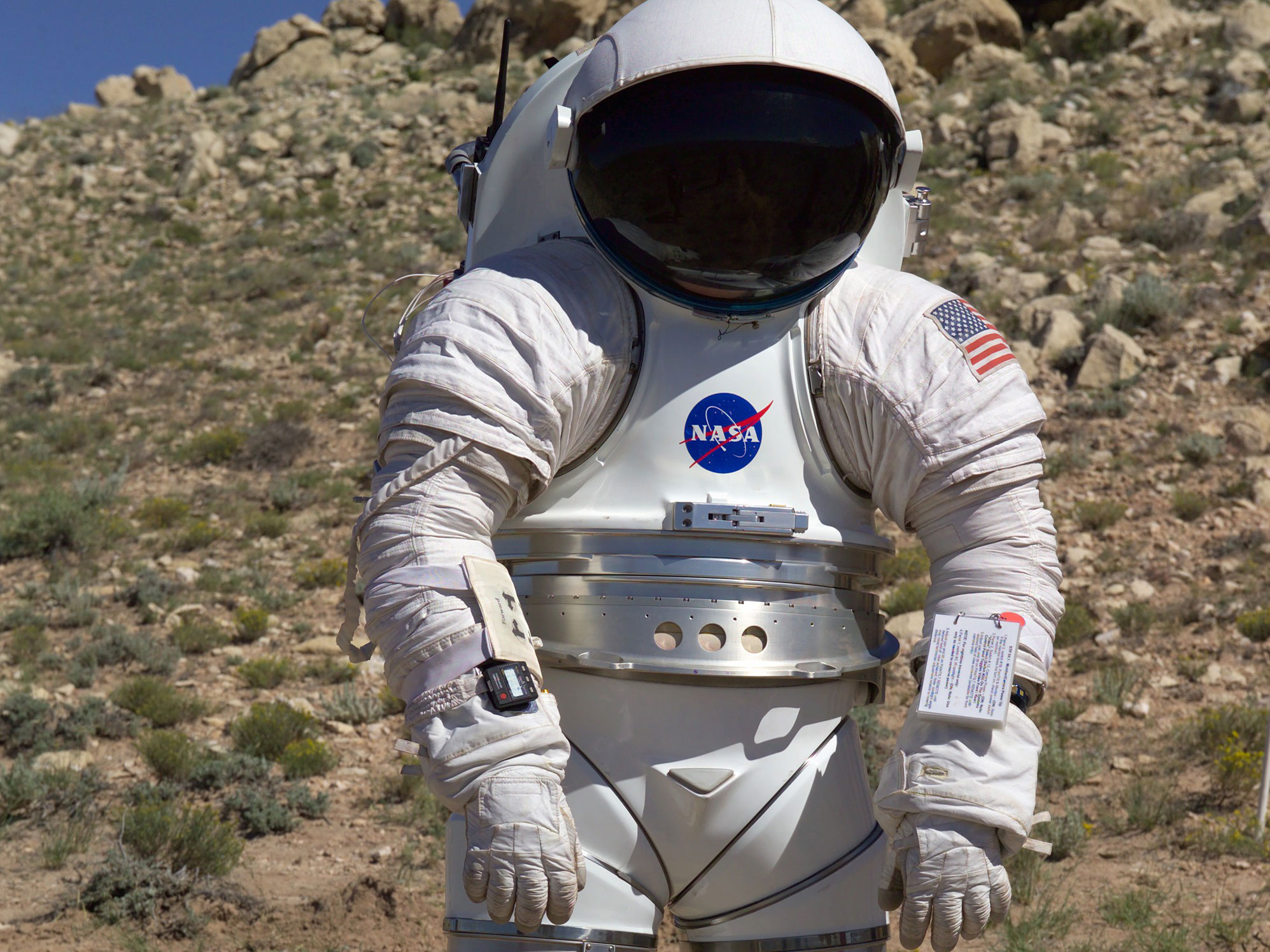 an interactive spacesuit experience nasa - 1020×761