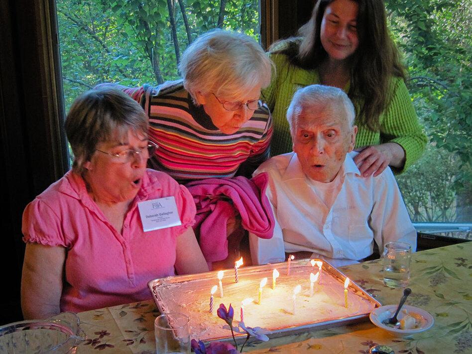 how to get dementia patients to eat