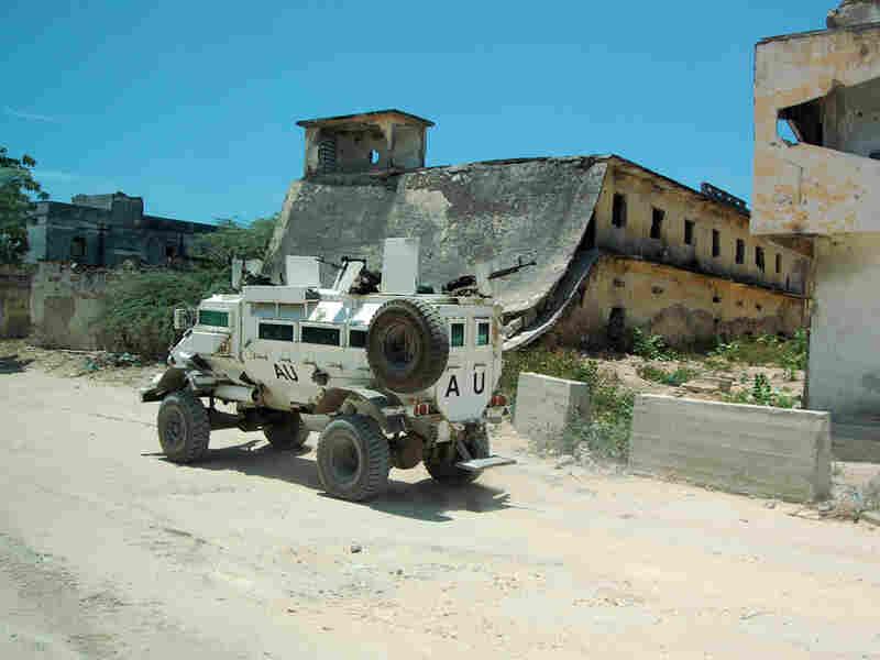African Union peacekeepers race through Mogadishu