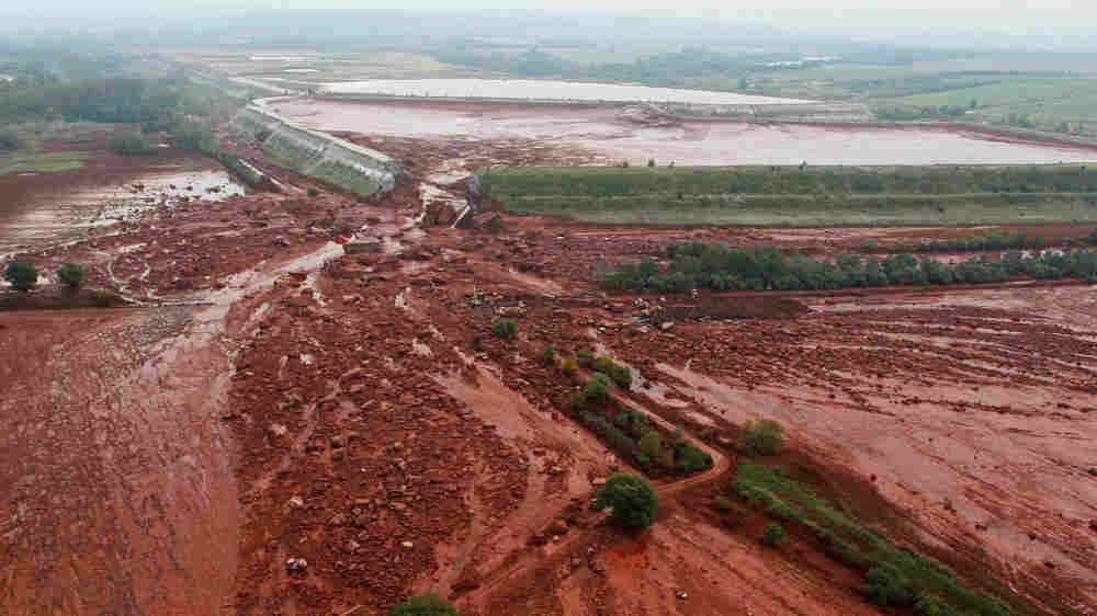 Broken dike in Hungary