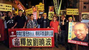 Protestors demonstrate to free Liu Xiaobo