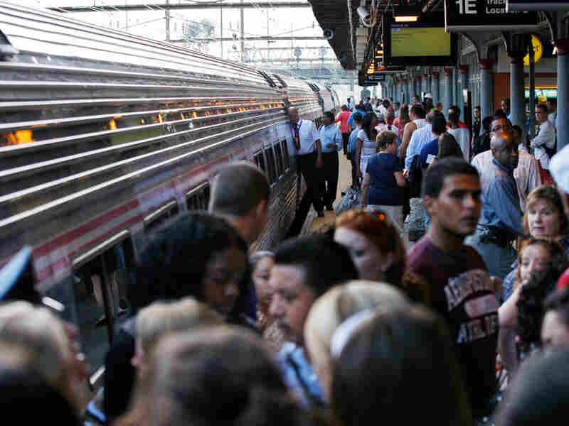 A crowd of New York-bound train passengers.