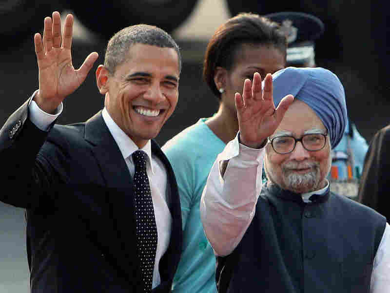 U.S. President Barack Obama, left, and Indian Prime Minister Manmohan Sing