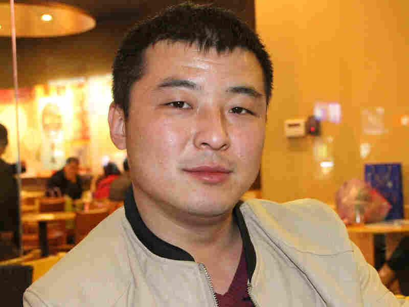 Li Xuefeng, a 31-year-old divorced man, has set up an online club for those whose marriages have failed