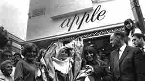 The Beatles' Apple store, closing 1968