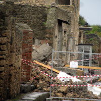 A Collapse In Pompeii Highlights Neglect In Italy