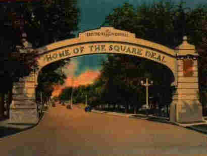 A postcard of the Square Deal arch in Endicott, N.Y.