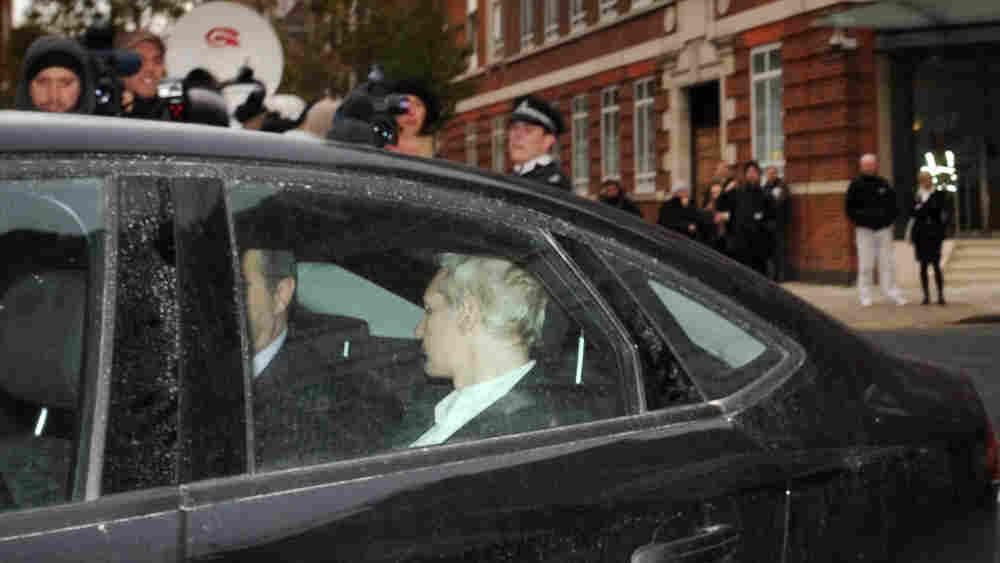 A vehicle carrying WikiLeaks founder Julian Assange