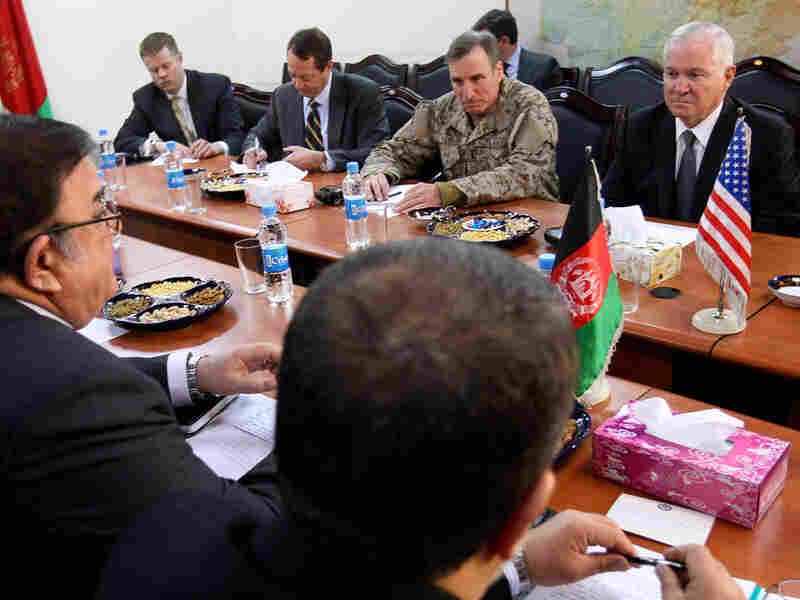 Defense Secretary Robert Gates (right) meets with Afghan Minister of Defense Abdul Rahim Wardak (left)