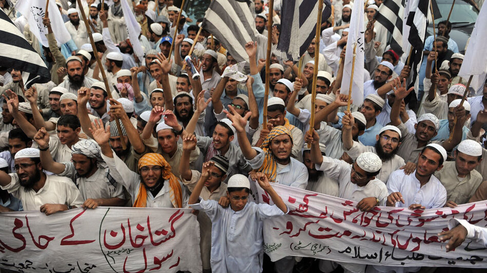 Activists of the Pakistani fundamentalist party Jamiat Talaba Islam protest last month in Karachi, carrying signs decrying blasphemers and chanting slogans against Asia Bibi, a Christian mother sentenced to  death for blasphemy. Politicians and conservative clerics are at odds over whether President  Asif Ali Zardari should pardon Asia Bibi, sentenced to hang for  defaming the Prophet Muhammad.