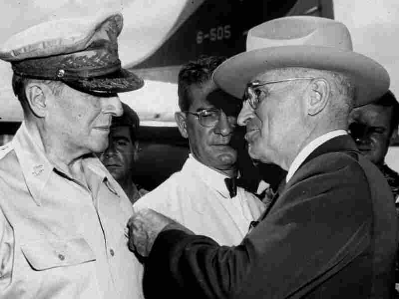 Truman (right) and MacArthur on Oct. 14, 1950.