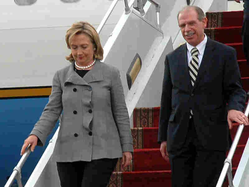 U.S .Secretary of State Hillary Clinton arrives at Sanaa