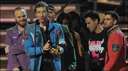 Coldplay accepts an award at the 2009 Grammys