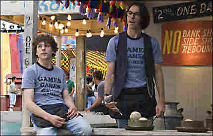 Jesse Eisenberg and Martin Starr in Adventureland