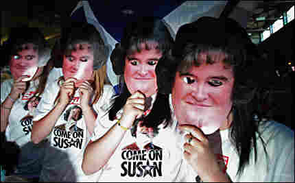 Susan Boyle fans gather to watch her in the finals of Britain's Got Talent