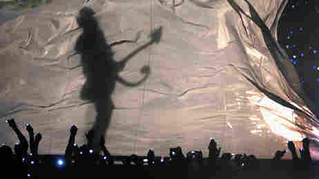 Prince performs at the 2007 Super Bowl.