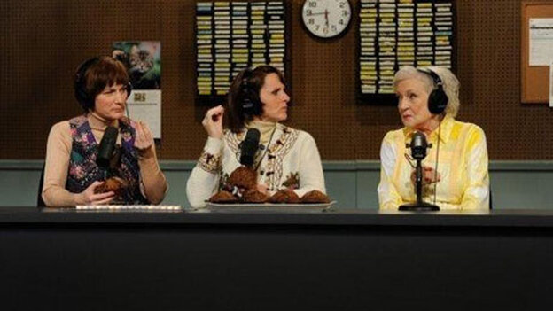 Betty White appears with Ana Gasteyer and Molly Shannon on the