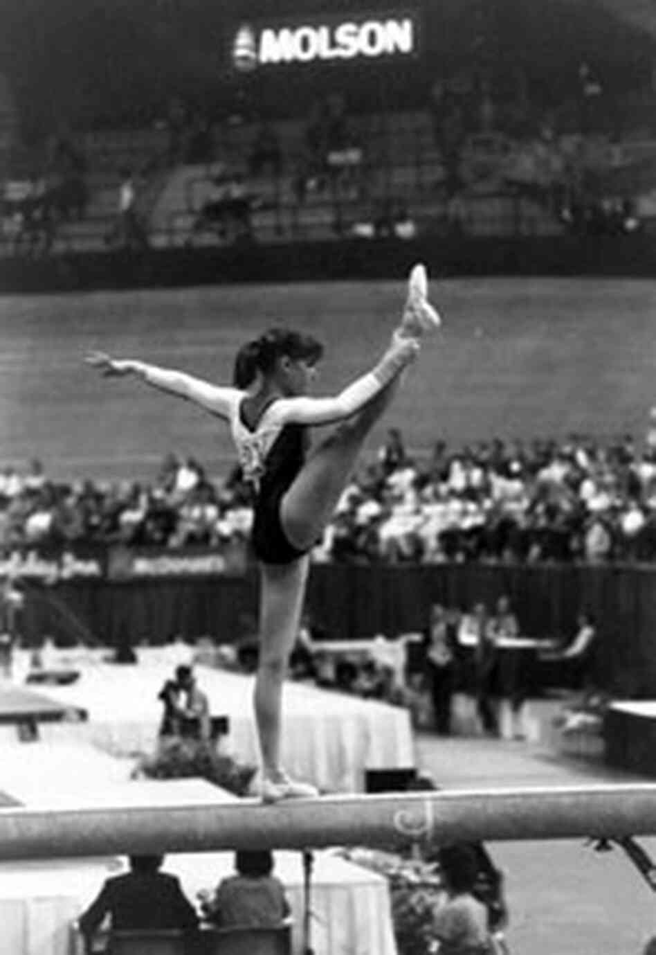 Sey on the beam, American Cup, 1987.
