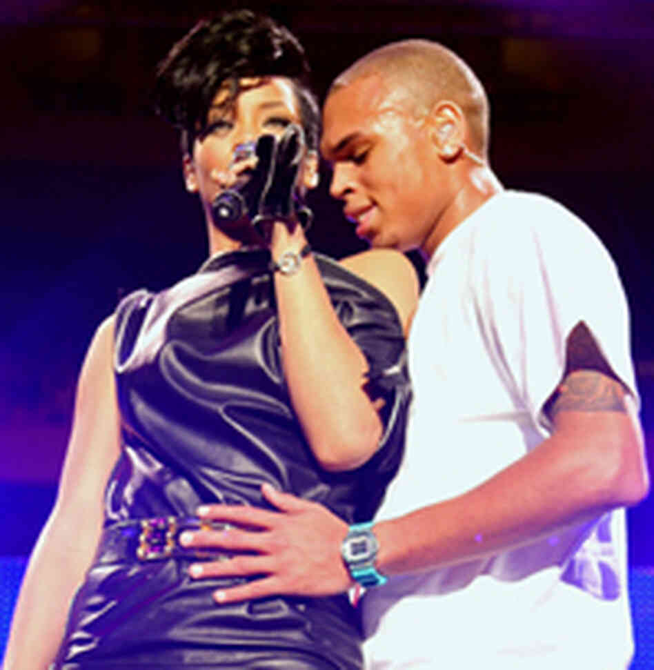 Singers Rihanna and Chris Brown perform on stage during Z100's Jingle Ball at Madison Square Garde